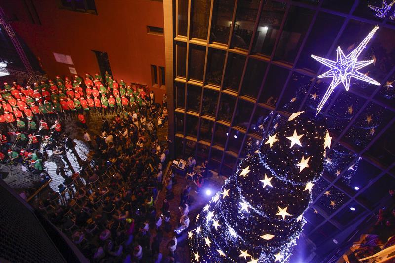 Encerramento do Natal Luz dos Pinhais, no Centro...