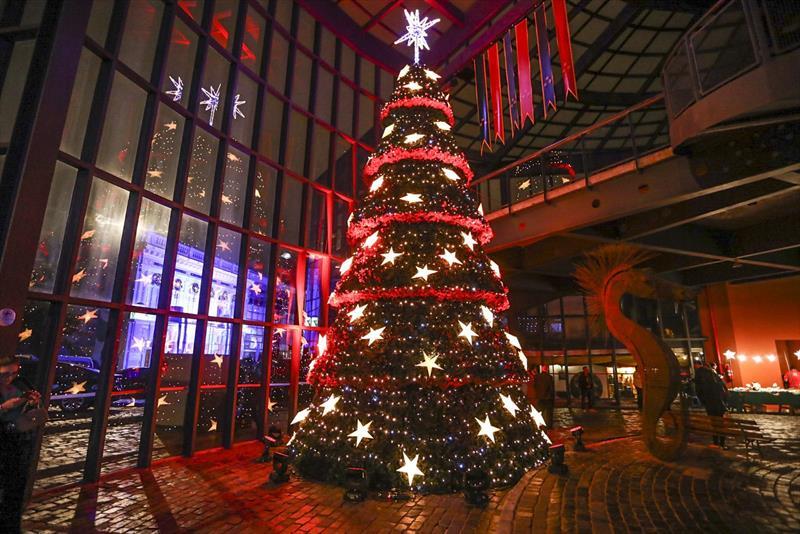 Abertura da Festa de Natal da Luz dos Pinhais com...