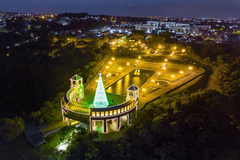 Série Olhar Curitiba traz os destaques das celebrações de Natal em Curitiba