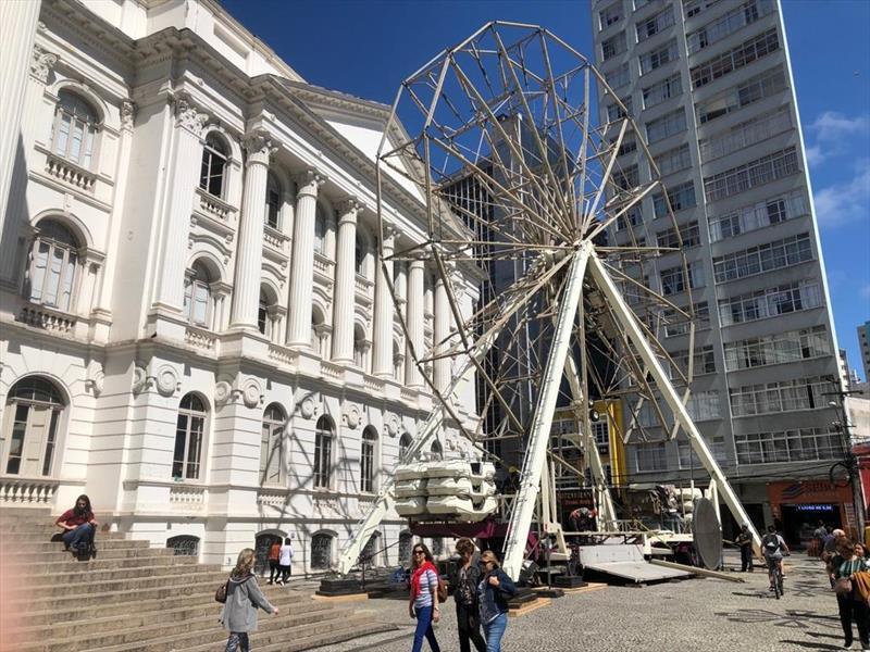 Testes da roda-gigante da Vila de Natal...